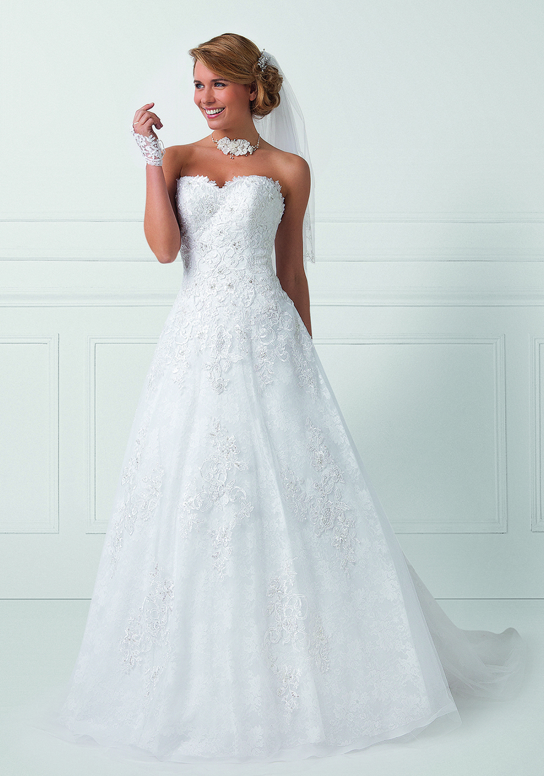 Collection Bella 2016 : Robe de mariée Royale
